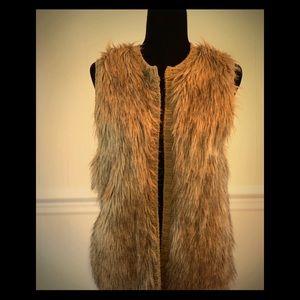 NWOT- Faux Fur Vest With Sweater Back.